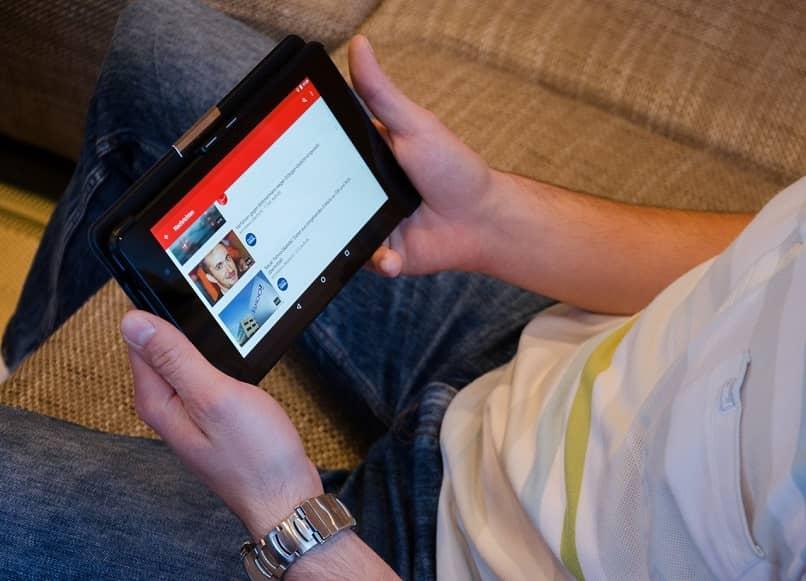 youtube en un dispositivo movil