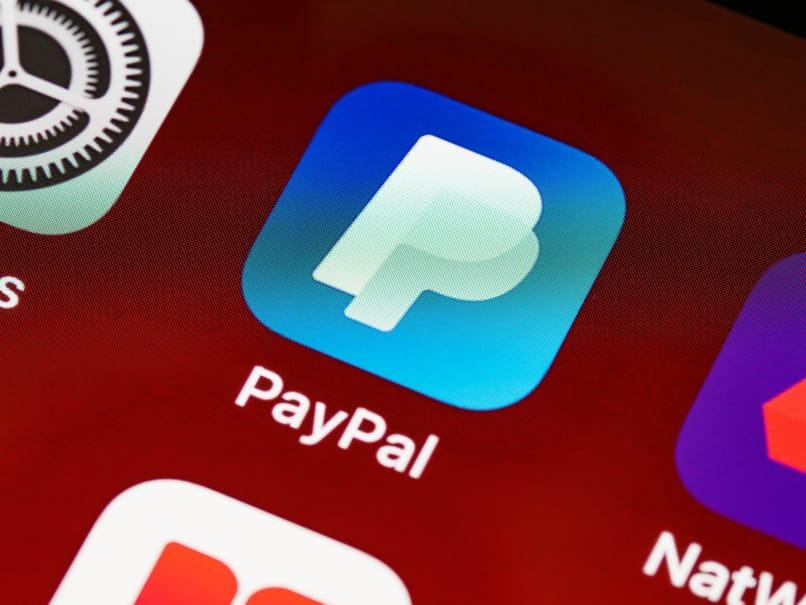 aplicacion paypal instalada en telefono