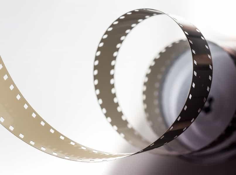 crear el efecto cinta de pelicula 3d photoshop