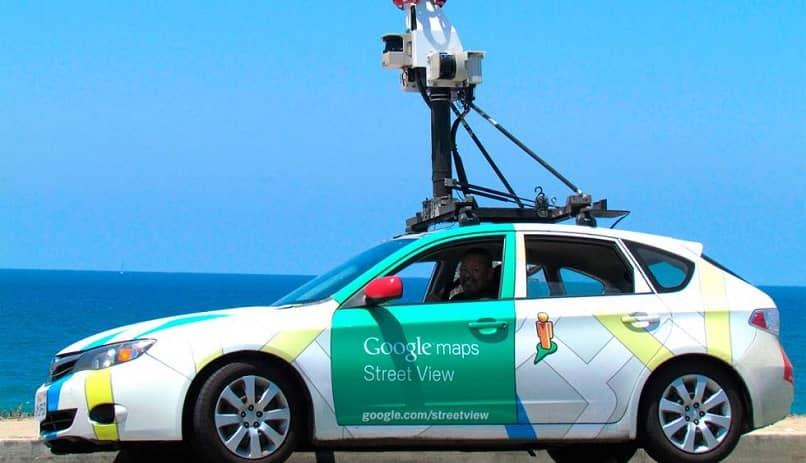 carro de google toma fotos de las calles