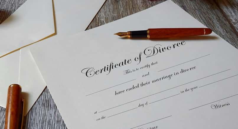 documento para consultar el estado civil de divorcio de una persona