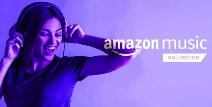 chica disfrutando musica con audifonos del servicio amazon music ultimed