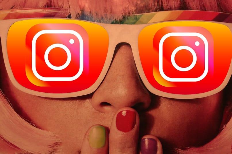 chica con lentes de instagram