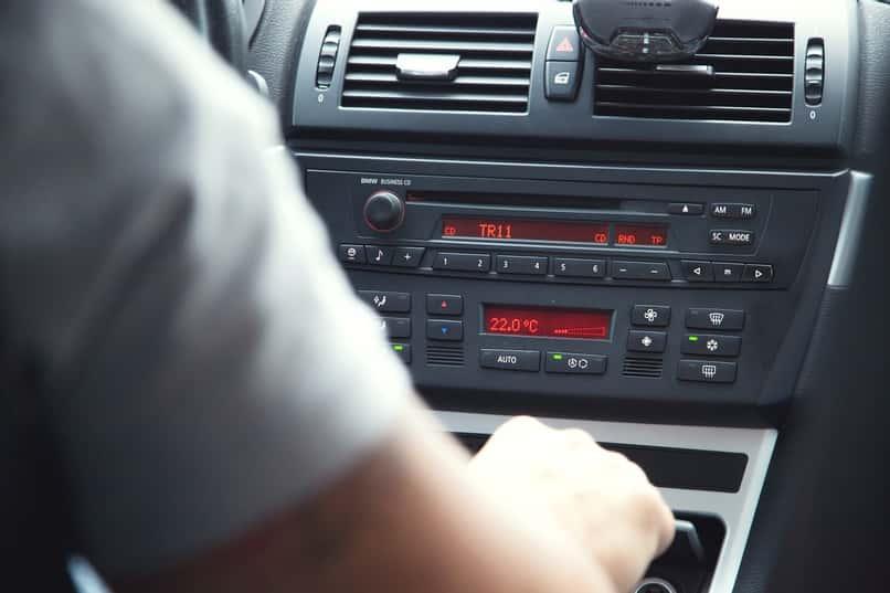 software de radio china de un coche