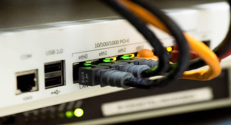 comprobando conexion de cable ethernet