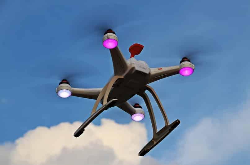 cargar bateria de un drone