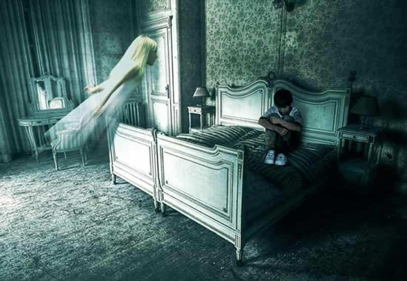 fantasma ghost photoshop nino habitacion