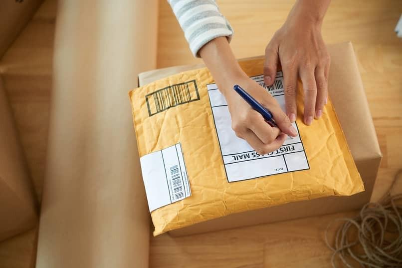 completando formulario de envio
