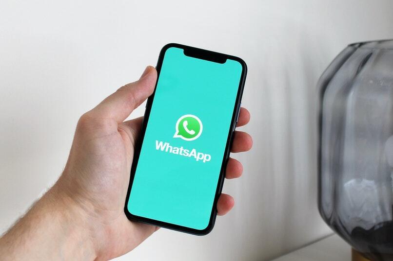 una muestra ilustrada de whatsapp