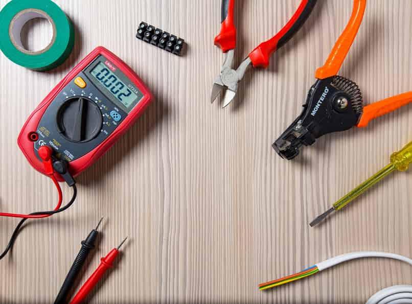 reparar arreglar cargador celular movil