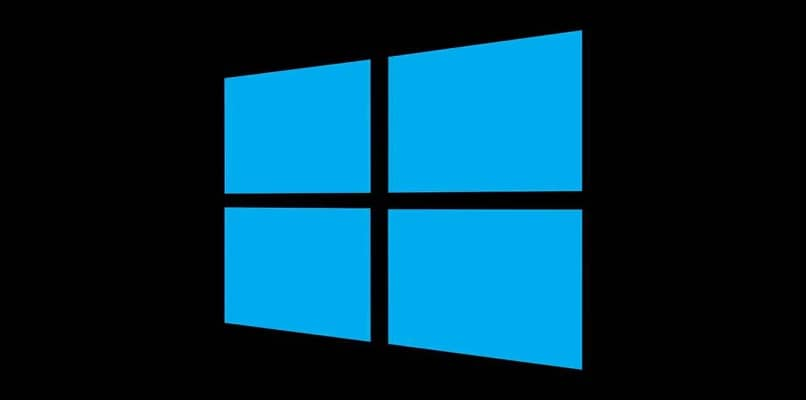 logotipo de windows 10 azul fondo negro