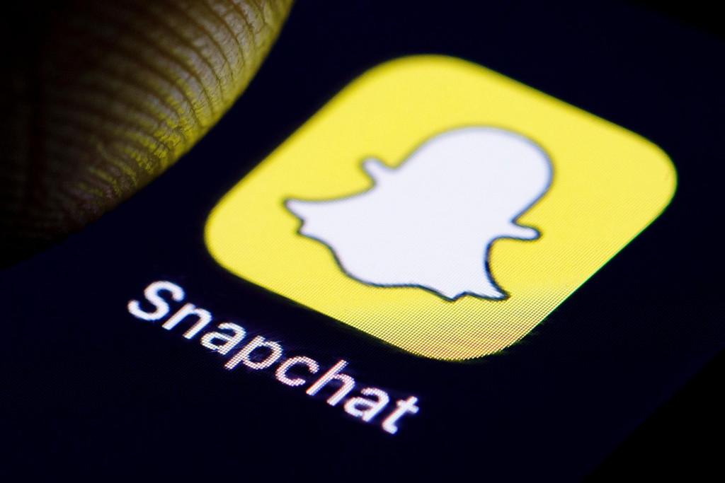 Como puedo buscar a mis amigos en Snapchat