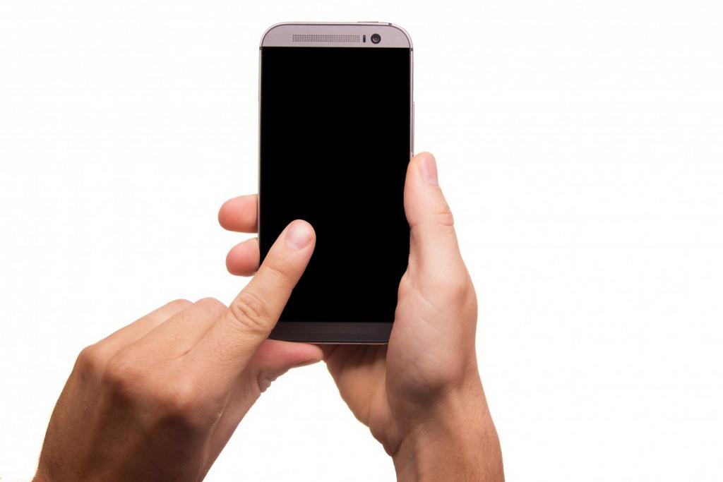 ¿Cómo recuperar los mensajes de texto o SMS borrados en mi teléfono Android o iPhone?