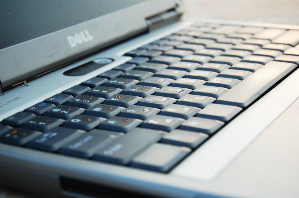 ¿Cómo solucionar el error que indica que falta un archivo DLL en Windows 10?