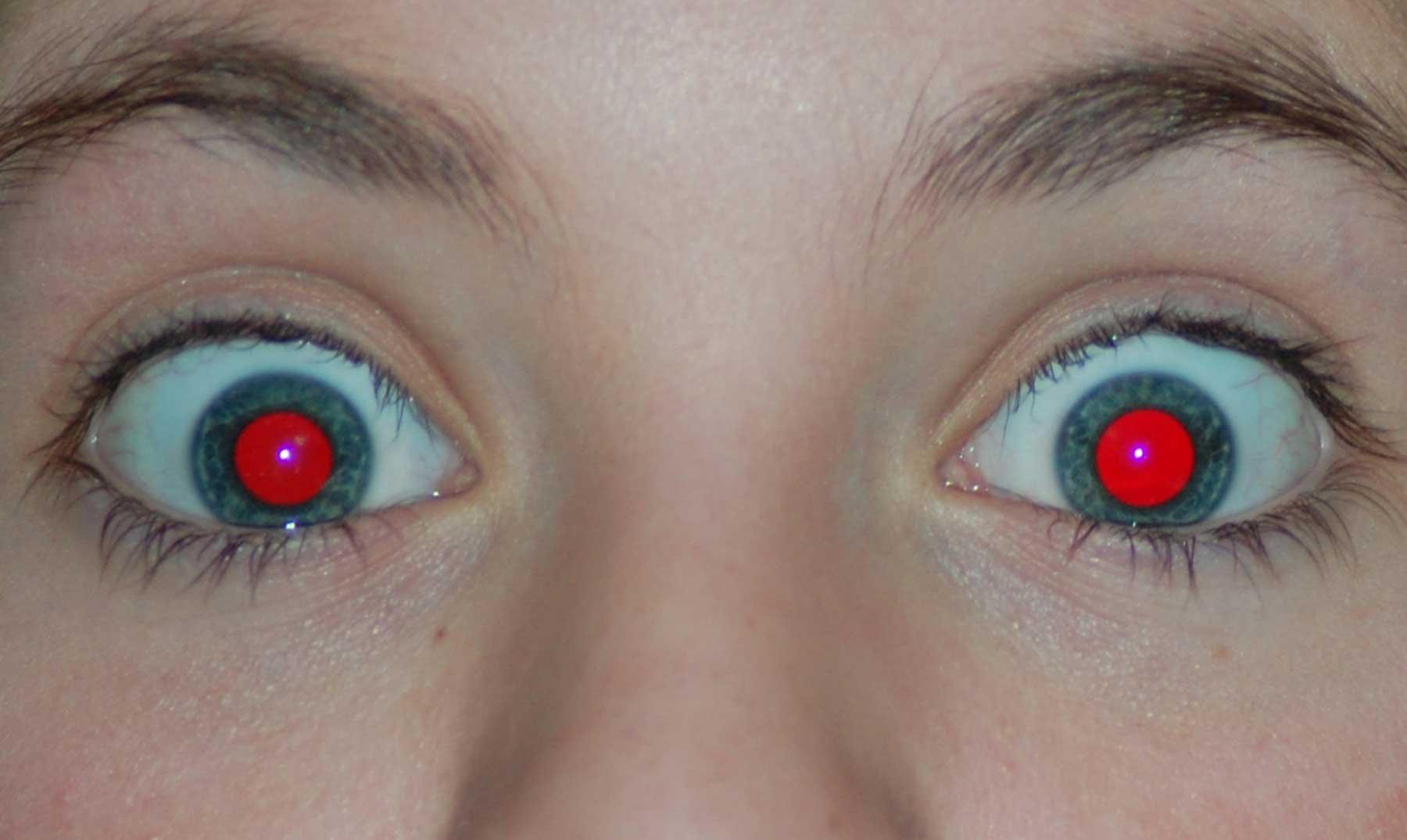 por-que-ojos-rojos-comunes-dentro-fotografias