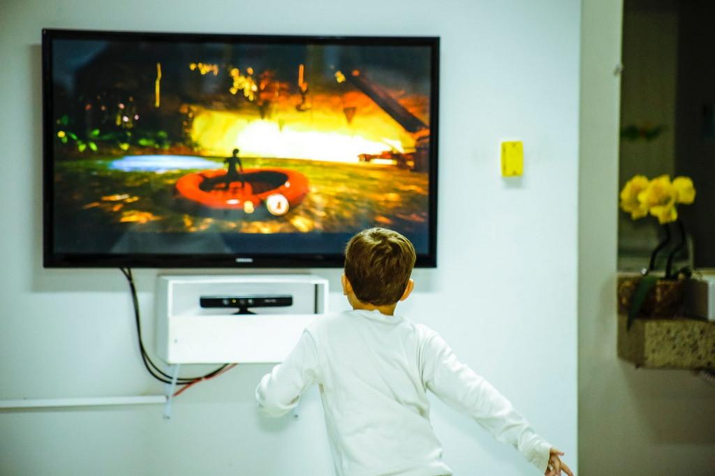 ¿Cómo jugar Free Fire en mi Smart TV desde mi celular sin cable? – Fácil y Rápido