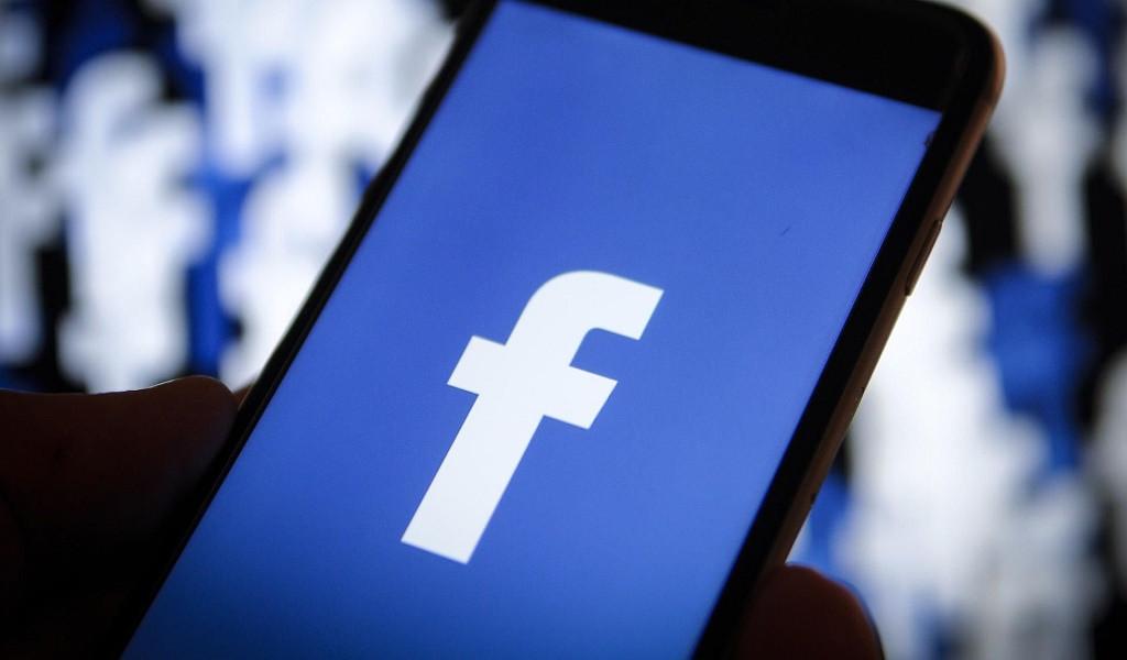 ¿Cómo verificar mi página de Facebook si no me aparece la opción?