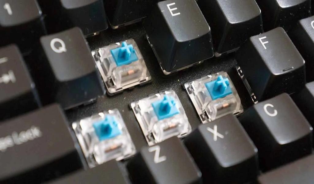 ¿Cómo comprobar el estado o funcionamiento de un teclado en línea?