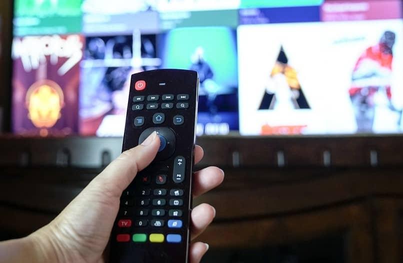 descargar aplicaciones en smart tv hitachi