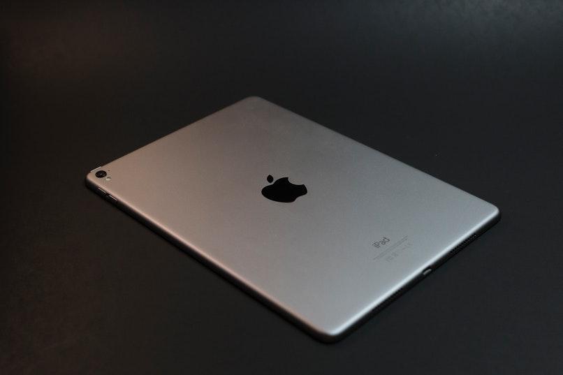 ipad y logo apple