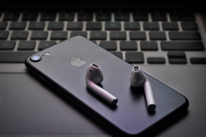telefono iphone donde se ve el logo de apple