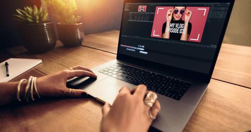 animacion logo adobe premiere pro logo movimiento
