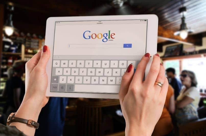 tablet con teclado google