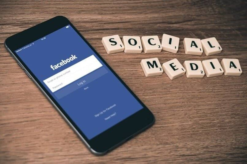 telefono facebook social