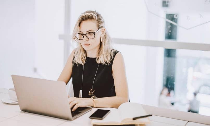 mujer oficina ventajas desventajas pinterest