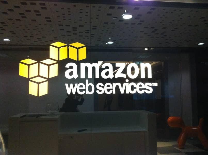 servicio amazon web