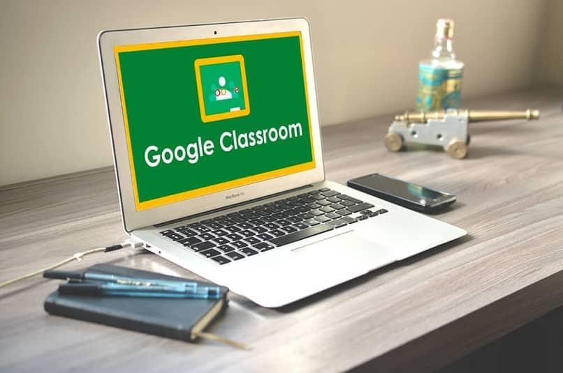 plataforma google classroom en ordenador portatil