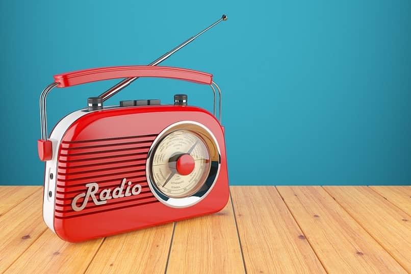 modelo radio antigua vintage