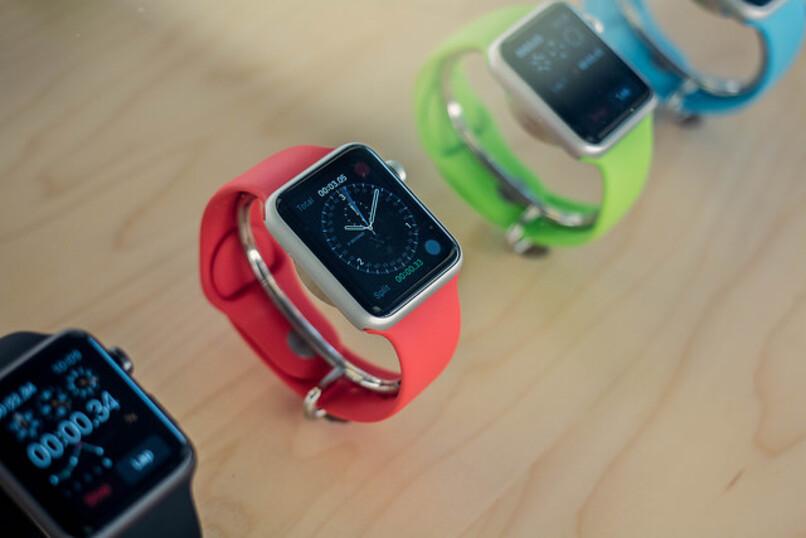 varios smartwatch distintos colores