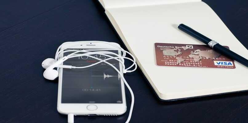 iphone y cuaderno