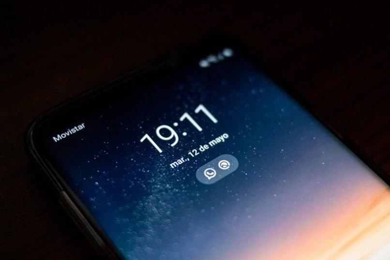 pantalla de un telefono celular