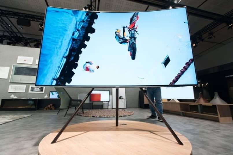 pantalla curva de television smart
