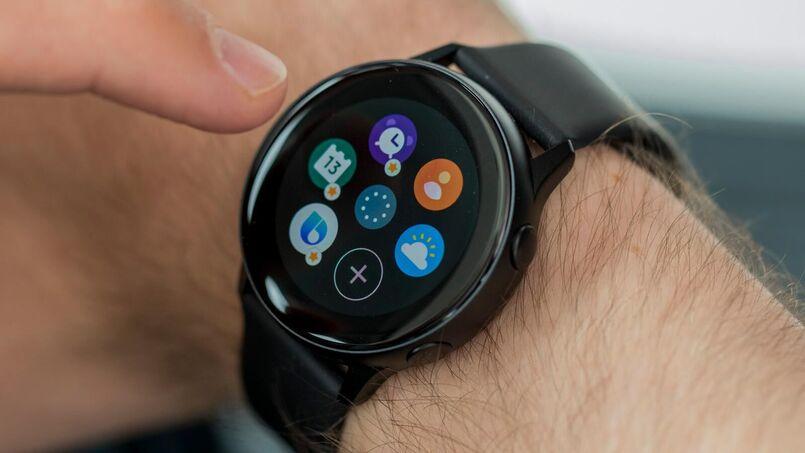 smartwatch negro usuario