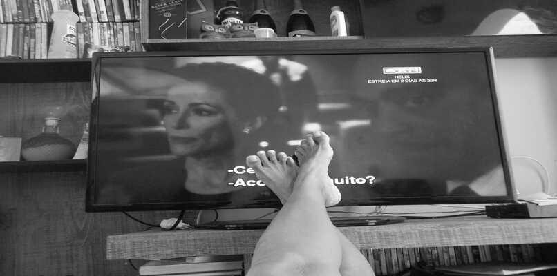 tv blanco negro