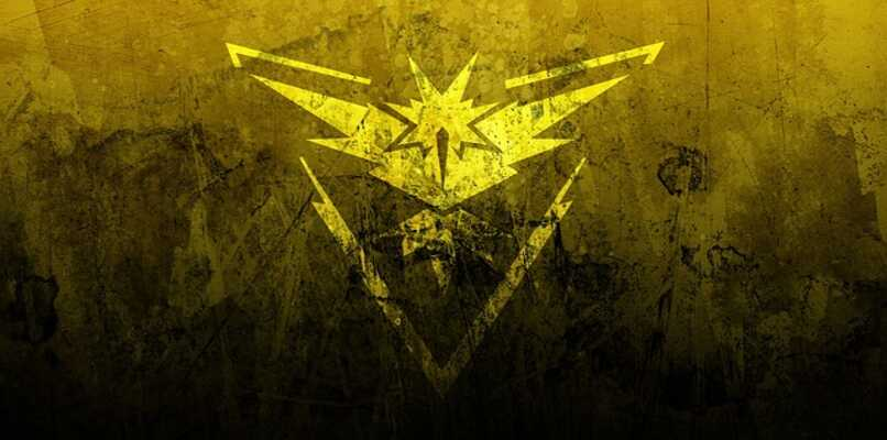 equipo amarillo pokemon